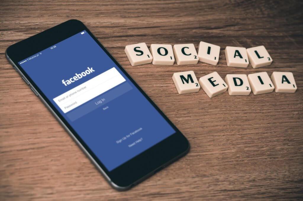 jak zdobyć like na Facebooku